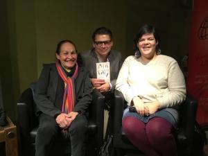 Joséphine Bacon, Michel Jean et Melissa Mollen Dupuis lors d'une causerie en novembre 2016